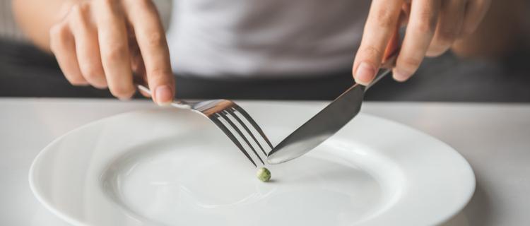 ダイエットに過度の食事制限は禁物