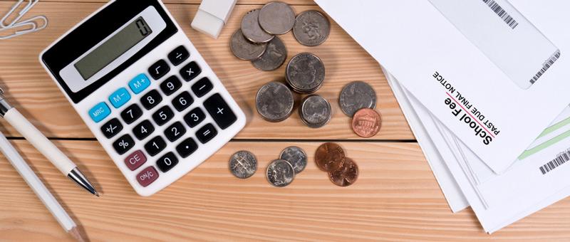 金銭管理の道具(計算機等)と小銭 安い