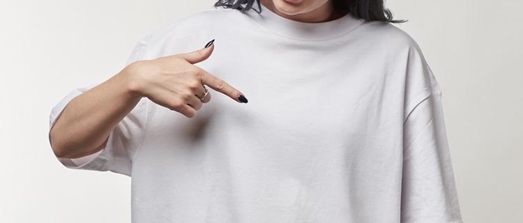 ダボダボのシャツ